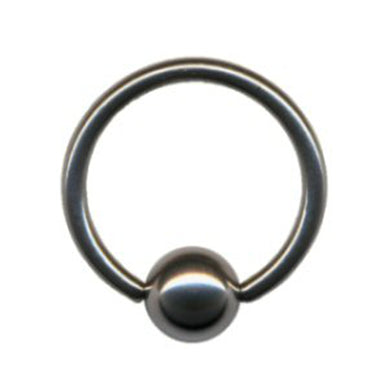 Ball Closure Ring aus Chirurgenstahl.