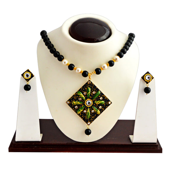 Trendy Kundan Beaded Necklace Set for Girls Women Black