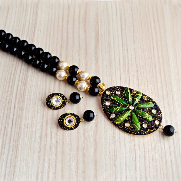 Indian Ethnic Kundan Work Black Green Beaded Oval Pendant Necklace And Earrings Set for Women