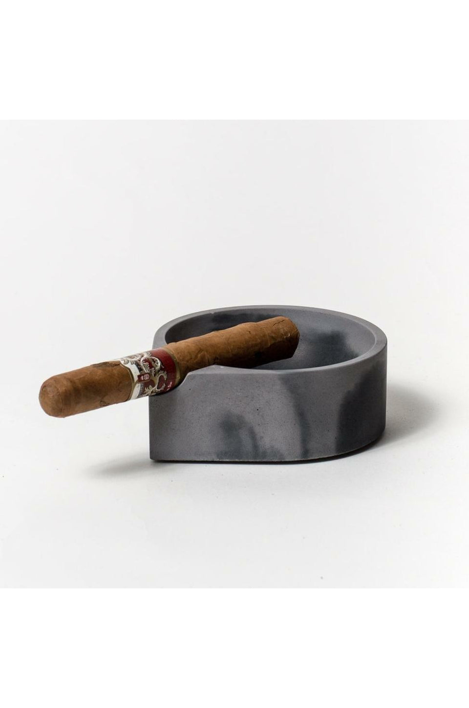 Pretti Cool Cigar Ashtray In Black & Grey