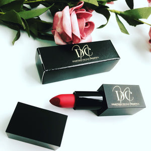 "Luxurious Lip Kiss lipstick ""Seductive Red"""