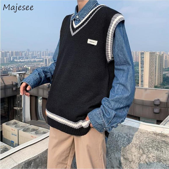 Men Sweater Vest Print Patch Designs V-Neck Loose Trendy Males Leisure Chic Korean Style Knitted Paneled Student Outwear Fashion
