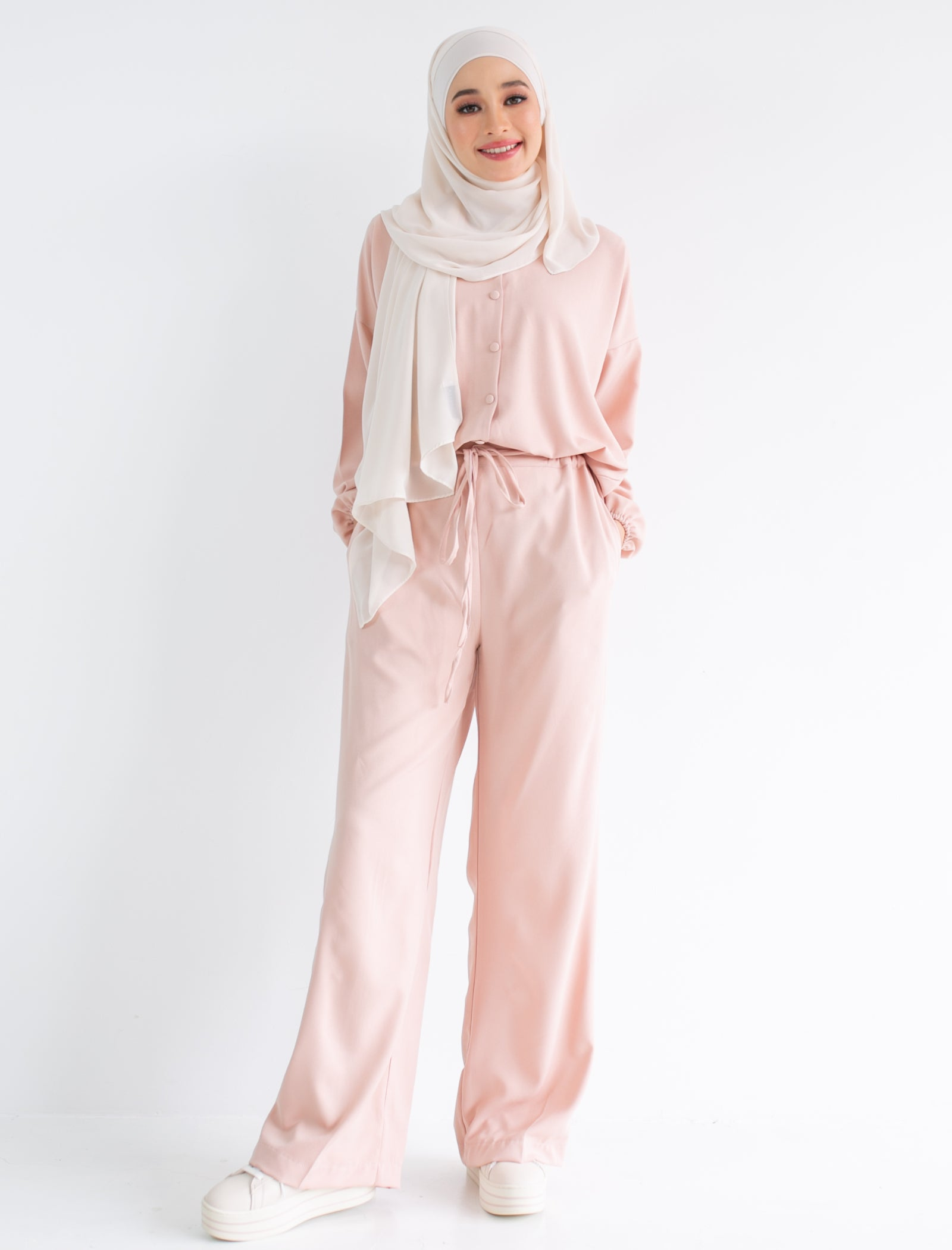 Astrid Pants in Bisque