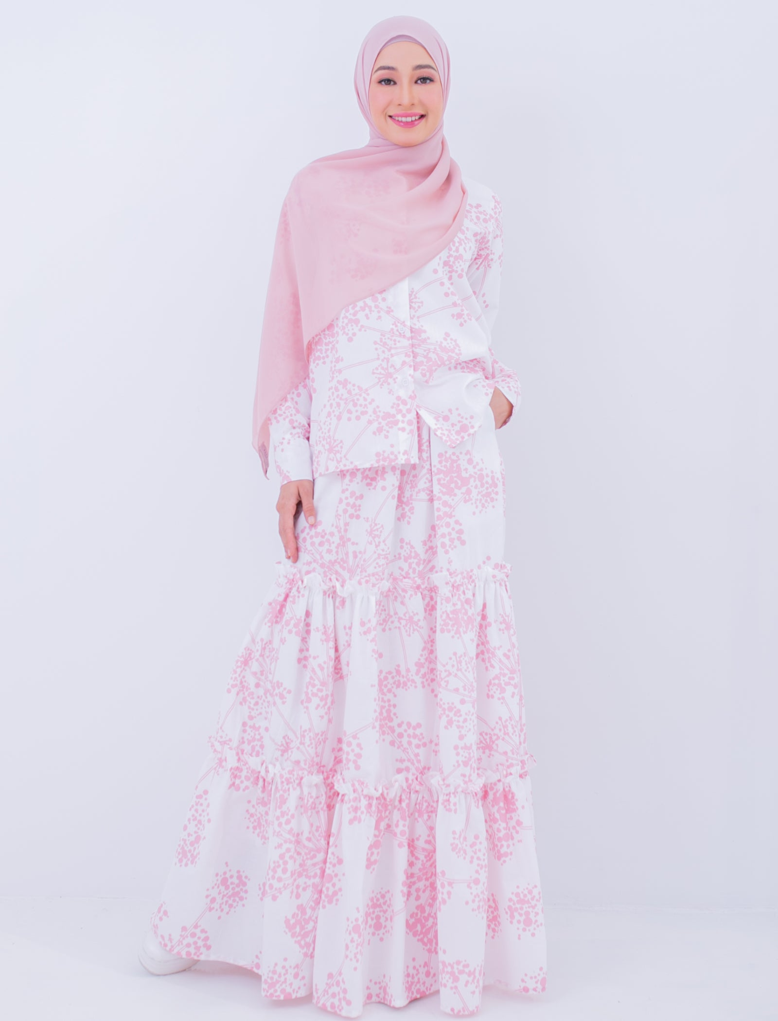 Delcy Skirt in White Pink