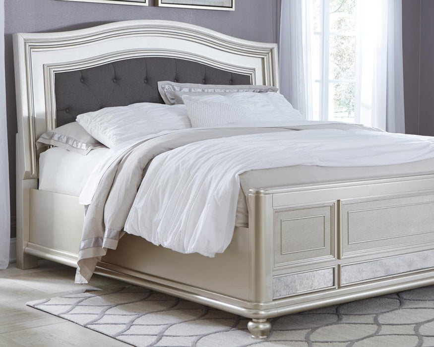 Coralayne Signature Design by Ashley Bed image