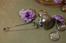 Load image into Gallery viewer, Silver Mermaid Shell Tea Infuser Spoon