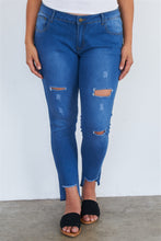 Load image into Gallery viewer, Plus Size Medium Blue Ripped Pants
