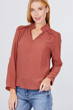 Load image into Gallery viewer, V-neck Button Down Woven Top
