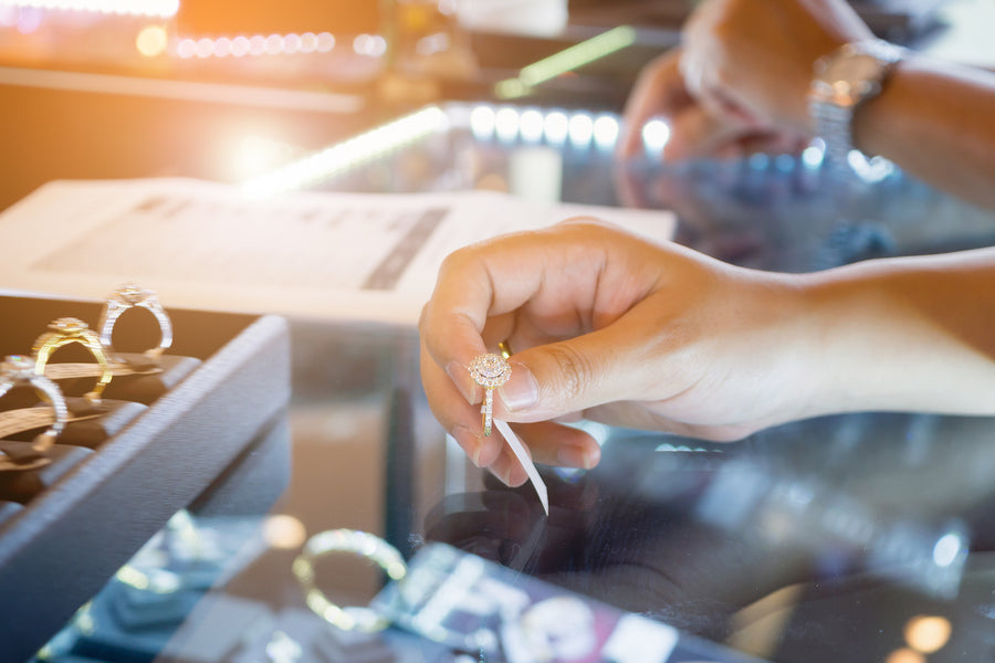 Buying jewellery online vs in store. How do they compare?