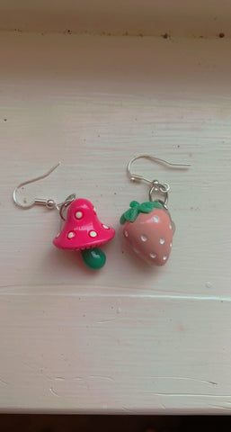 Strawberry 🍓 and mushroom 🍄 Earrings