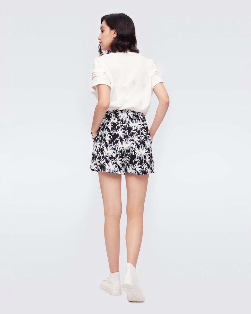 Edria Cady Tailored Shorts in Palms Black