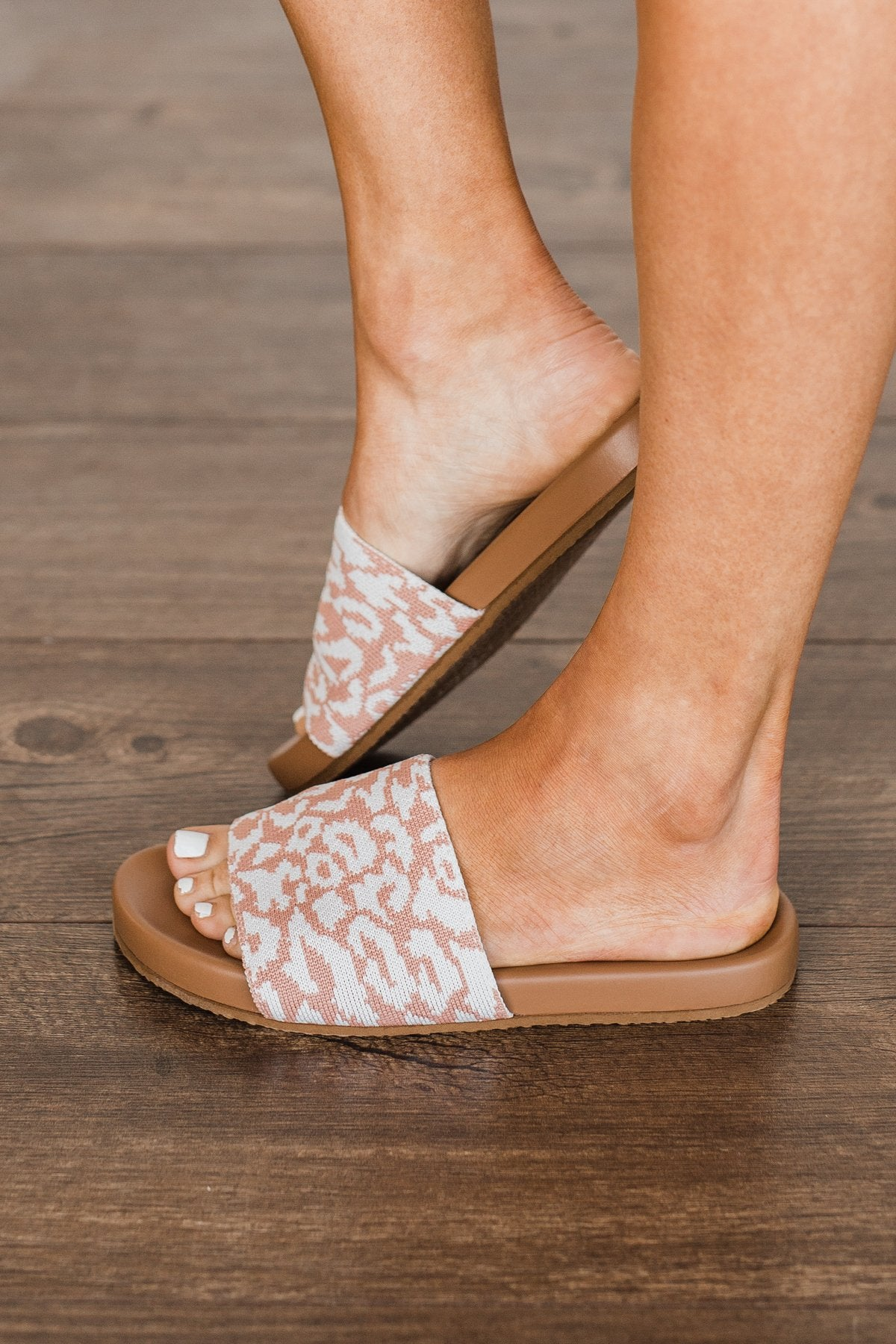 Jellypop Reagan Slide Sandals- White Multi