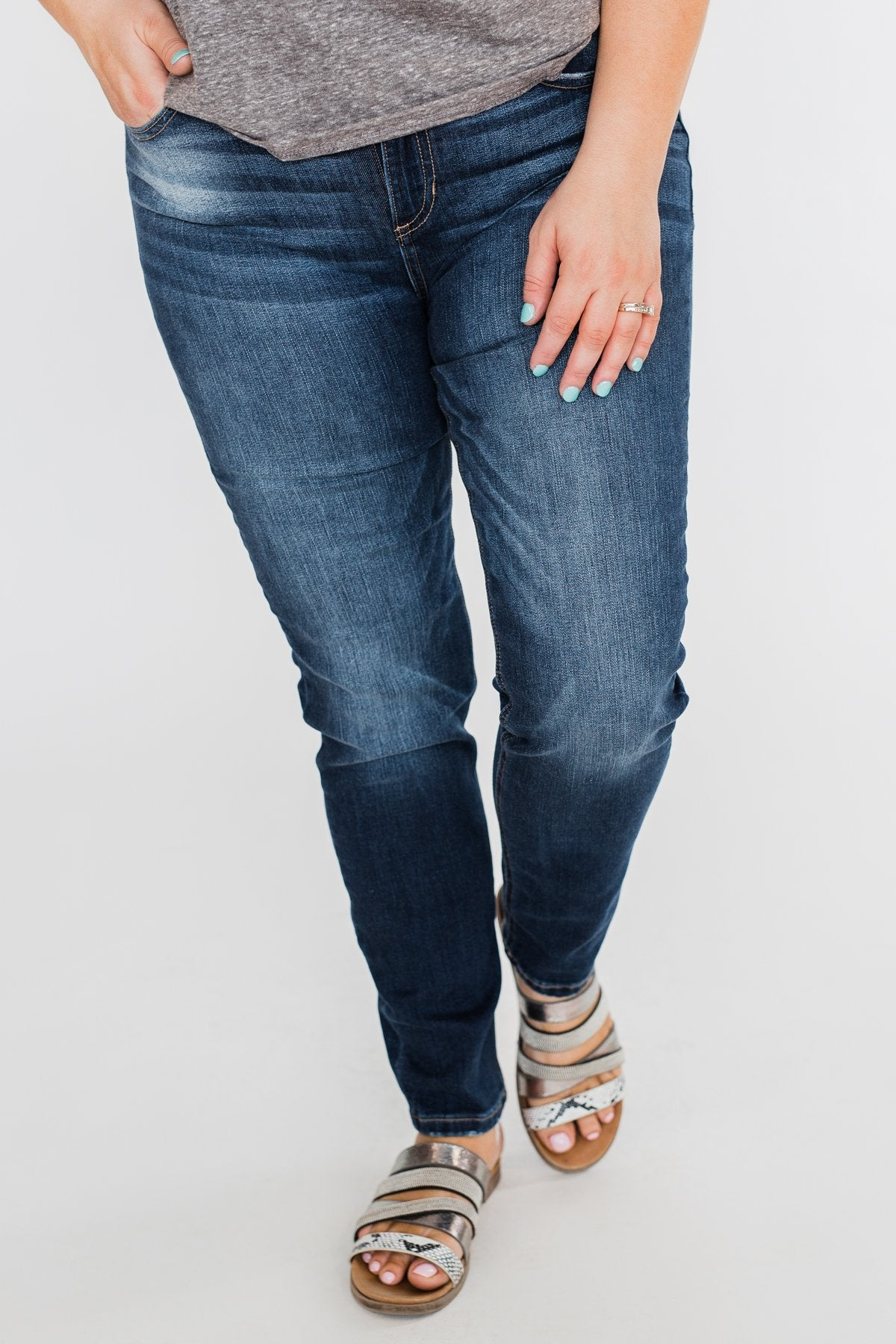 Sneak Peek Jeans- Layla Wash