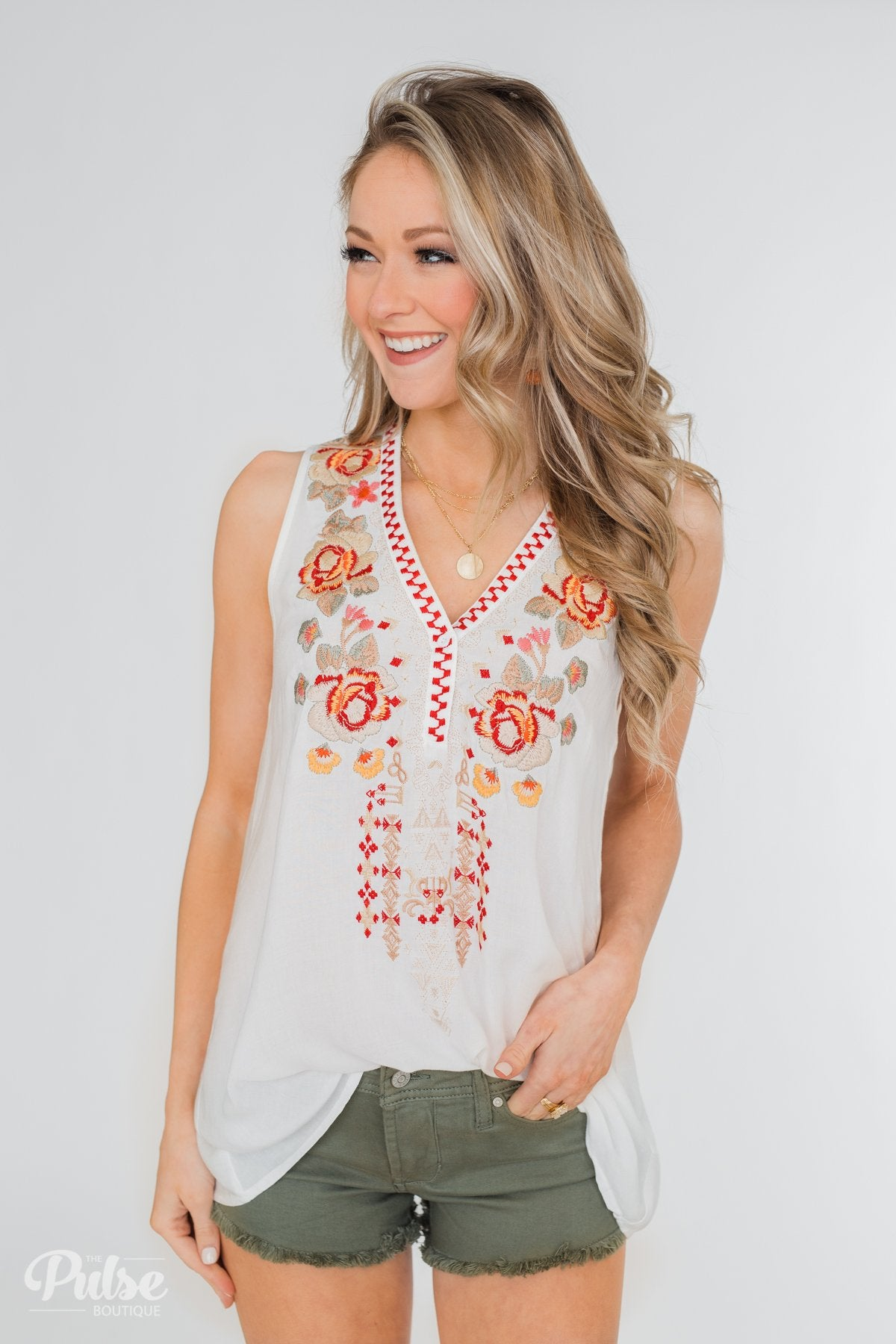 Beauty Remarks Embroider Tank Top- White