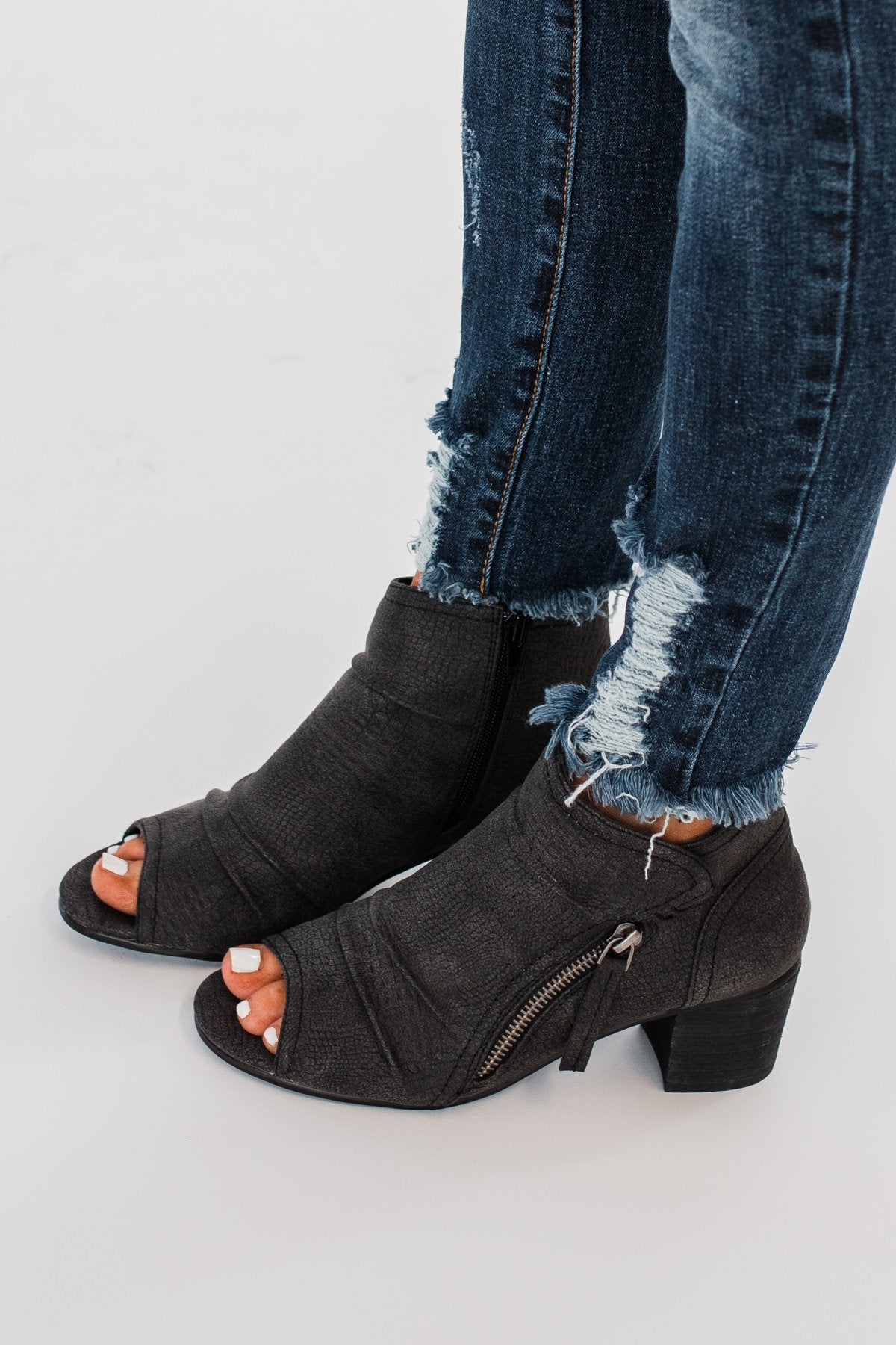 Very G Wonderluet Peep Toe Booties- Black