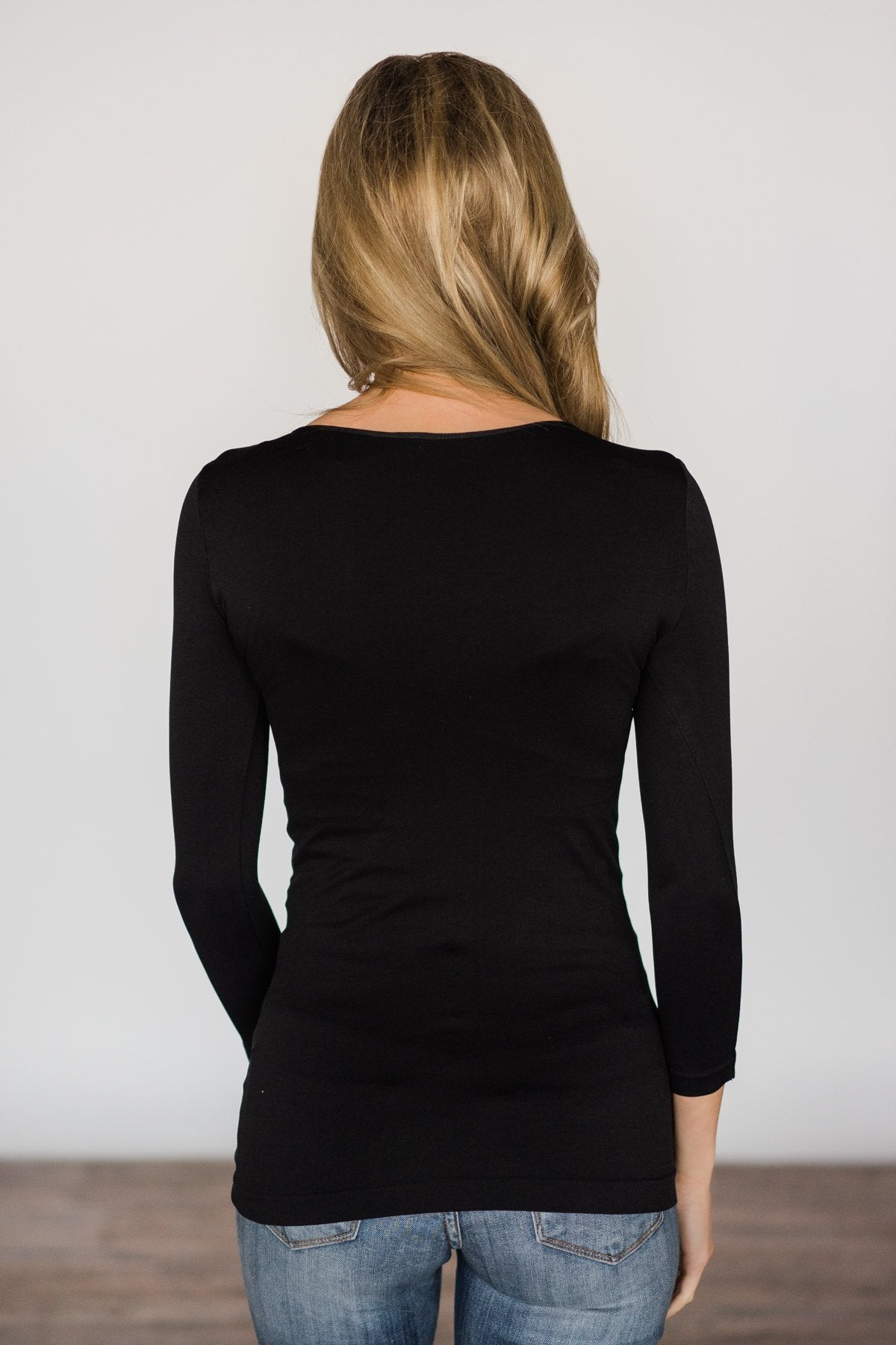 Basic Black Seamless 3/4 Sleeve Top
