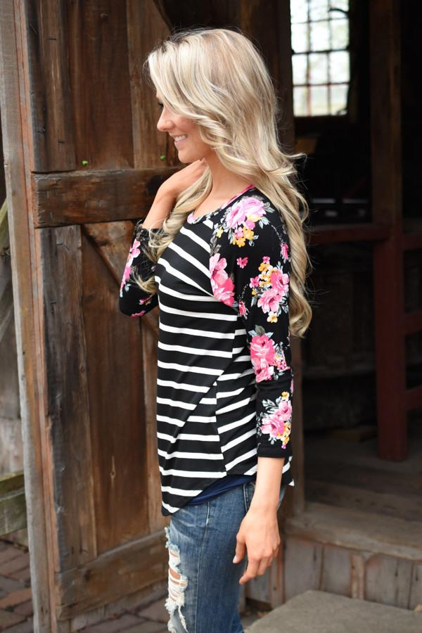 Crowd Pleaser Floral Top ~ Black