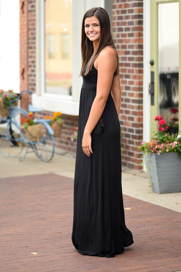 Sleek and Chic Black Maxi Dress