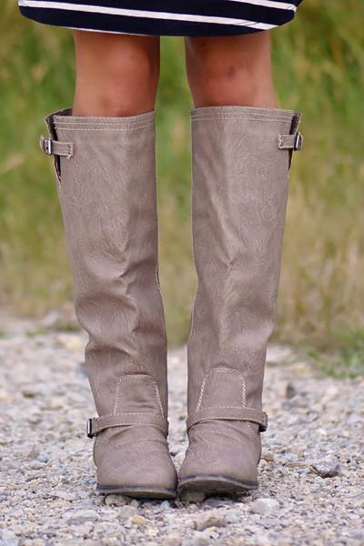 Outlaw Boots ~ Taupe