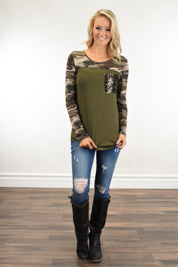 Camo Sparkle Pocket Top ~ Olive