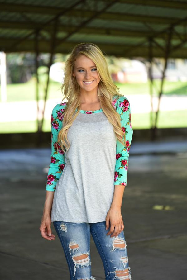Grey Floral 3/4 Sleeve Top