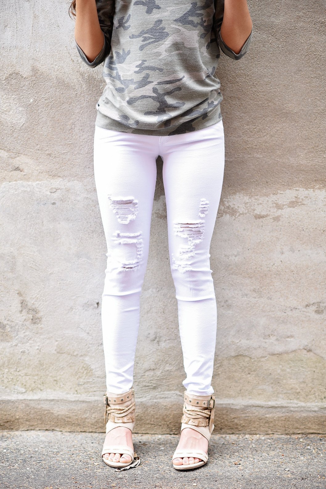 White Distressed Skinnies ~ Kan Can