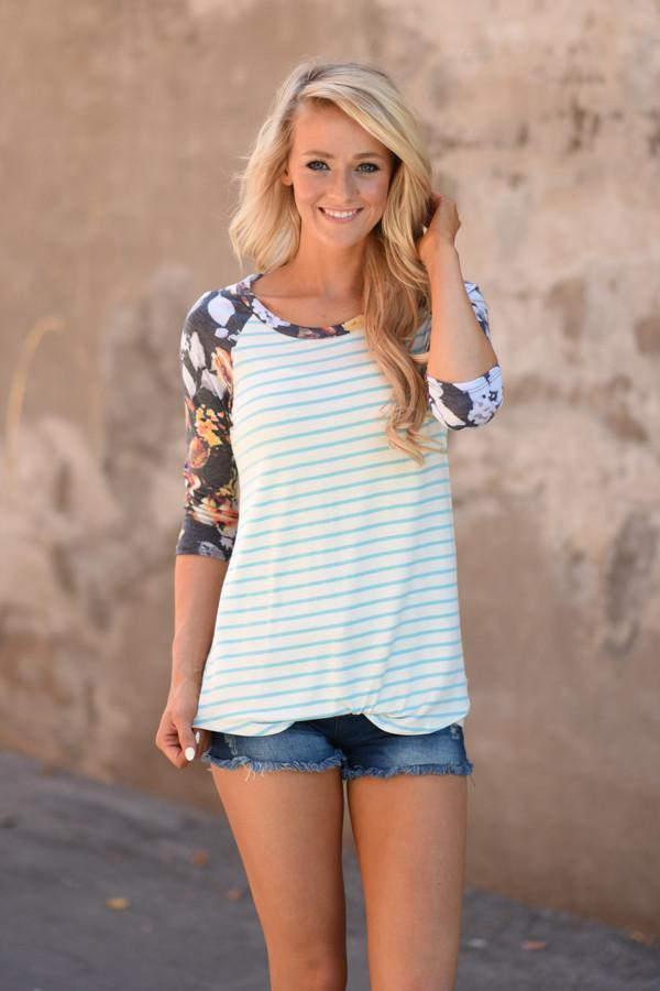 Never a Dull Moment Floral Top ~ Blue