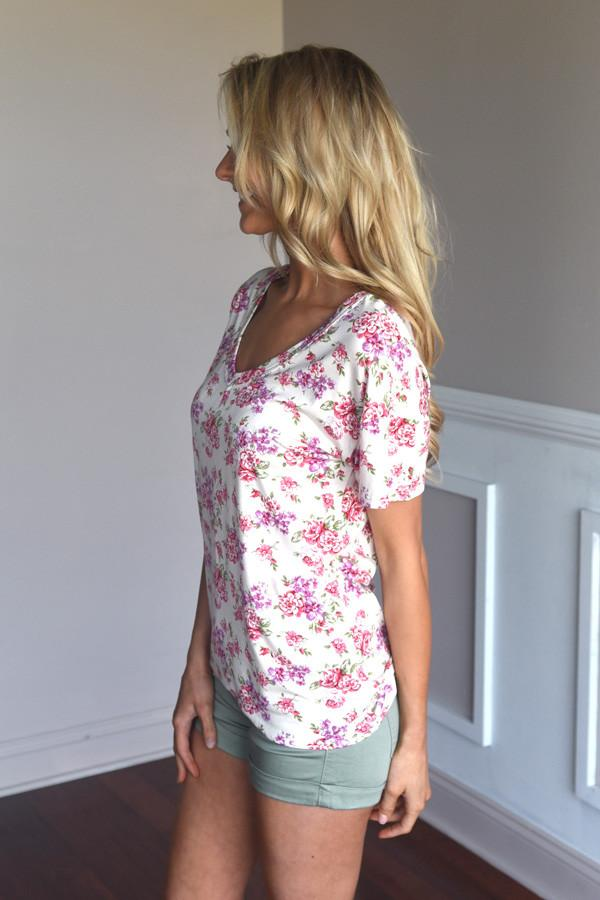 Go To Floral V-Neck ~ Pink