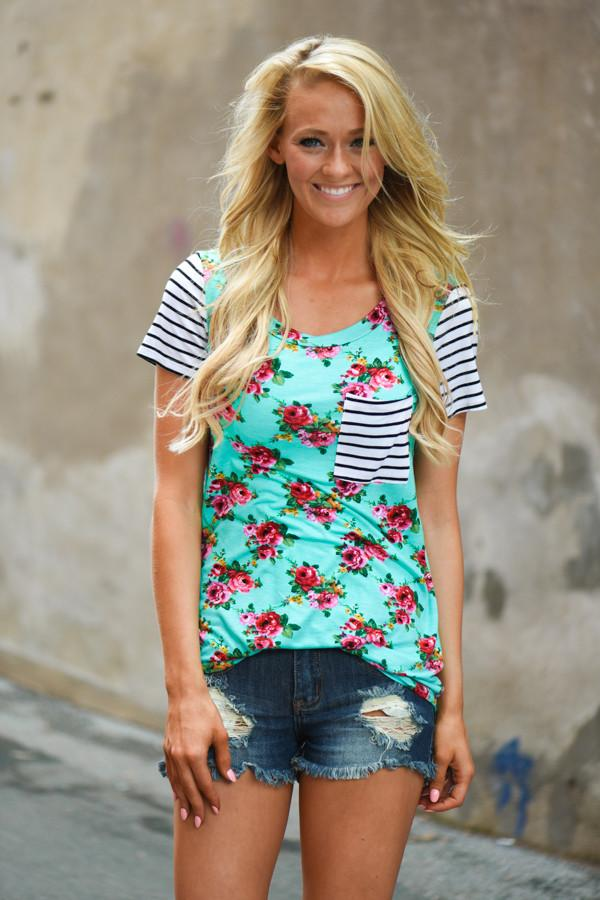 House Party Floral Pocket Top ~ Mint