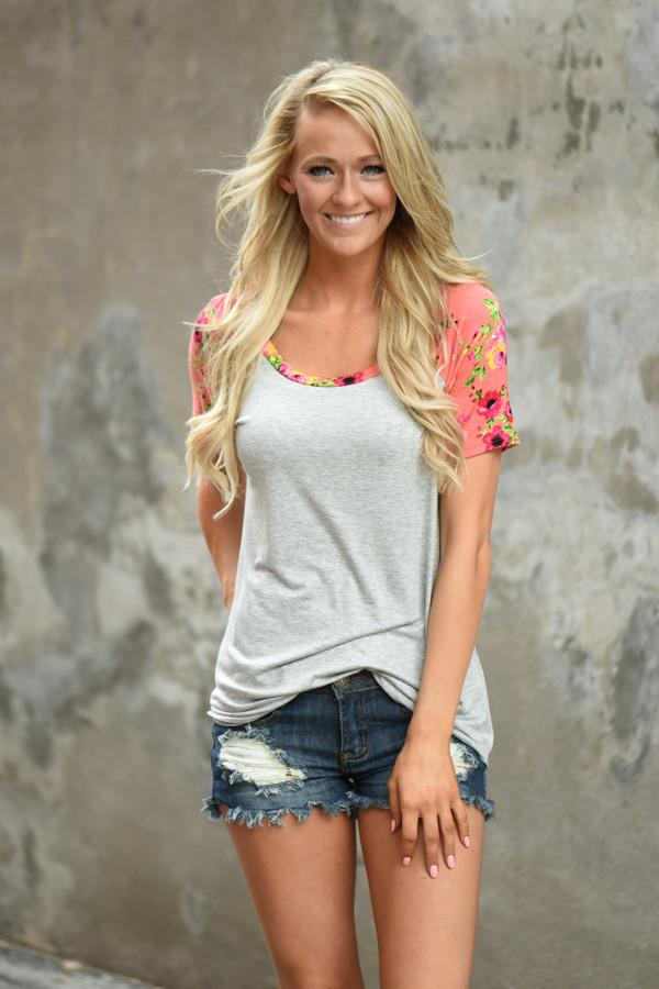 Take a Chance on Me Floral Top ~ Coral