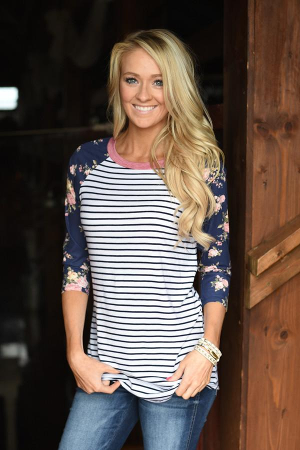 Crowd Pleaser Floral Top ~ Blue & Ivory