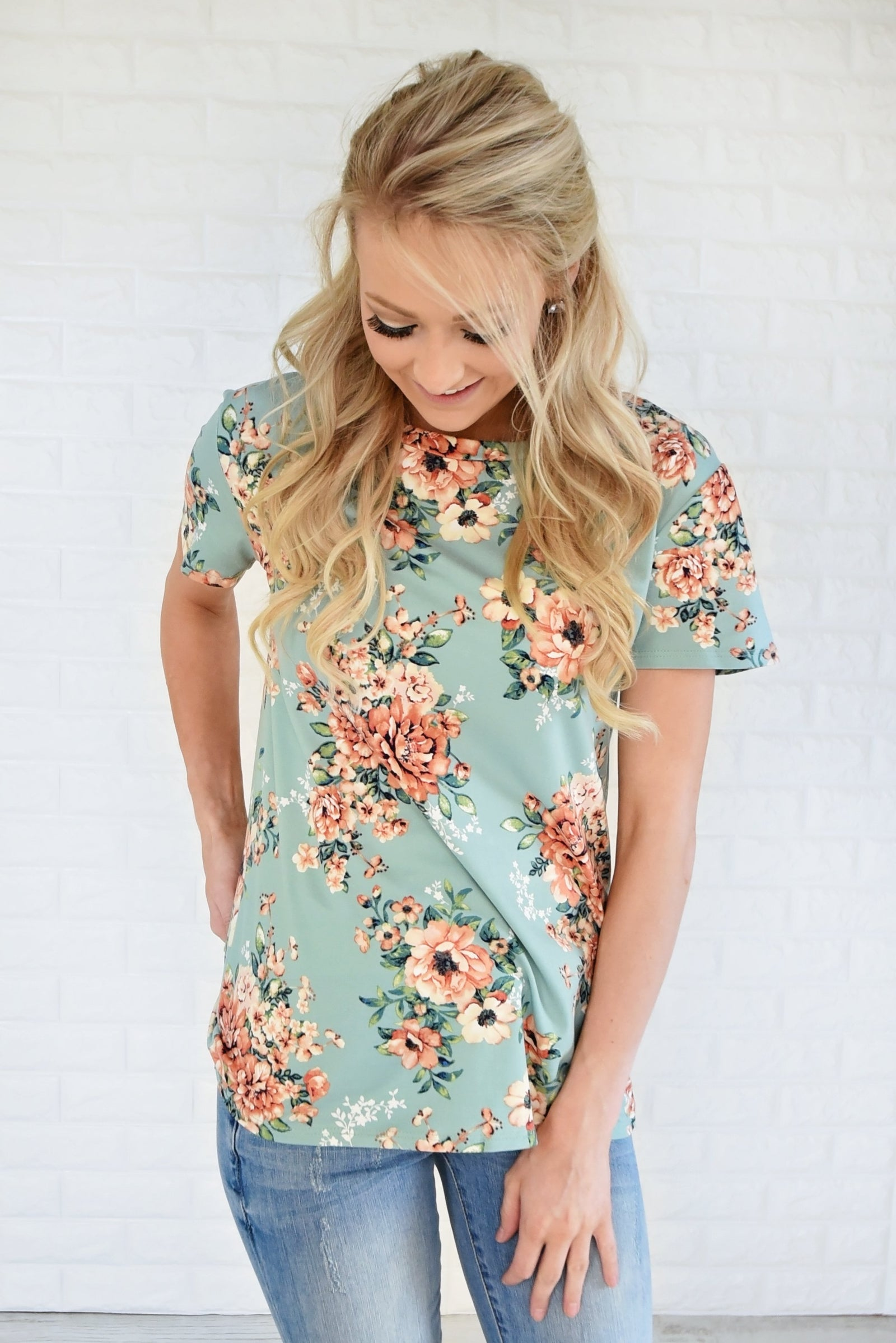 Beautifully Blooming Top ~ Mint