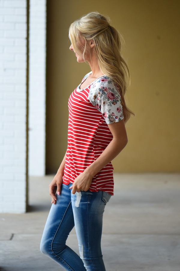Just My Type Floral Top ~ Red