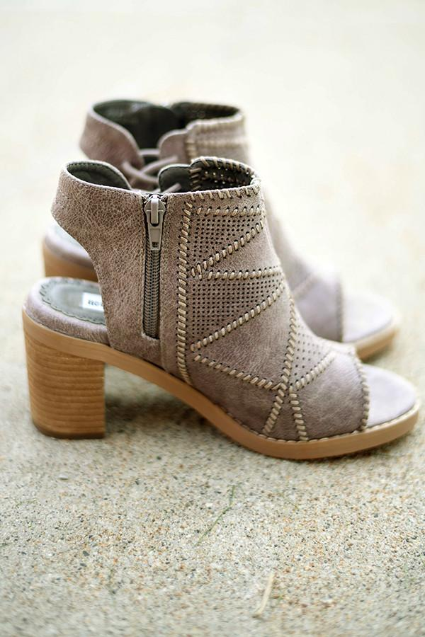 Tracy Grey Wedges - Not Rated