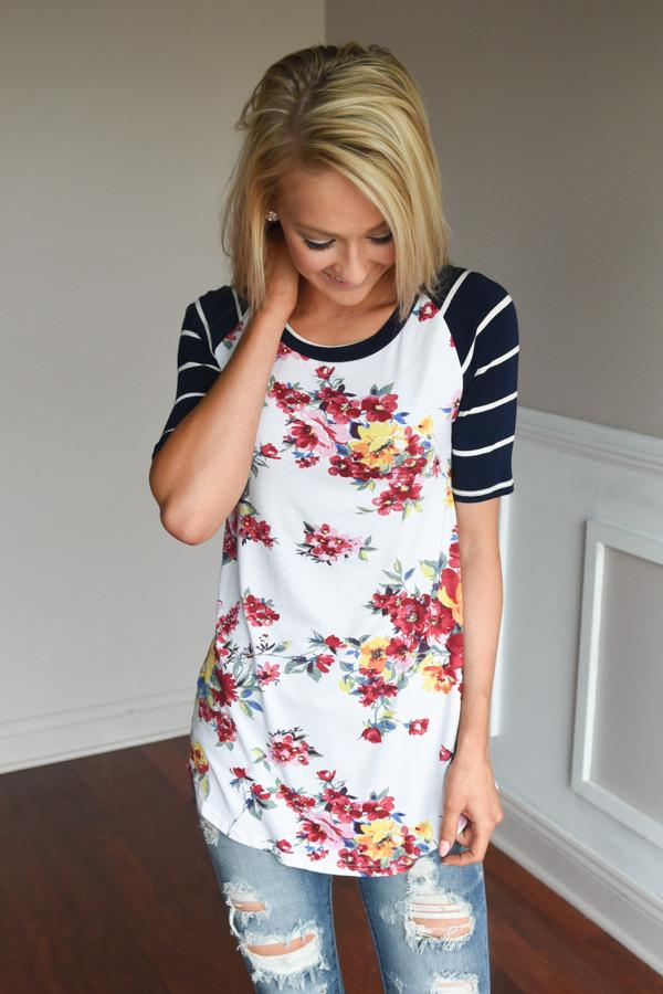 A Little Flirty Floral Top Navy