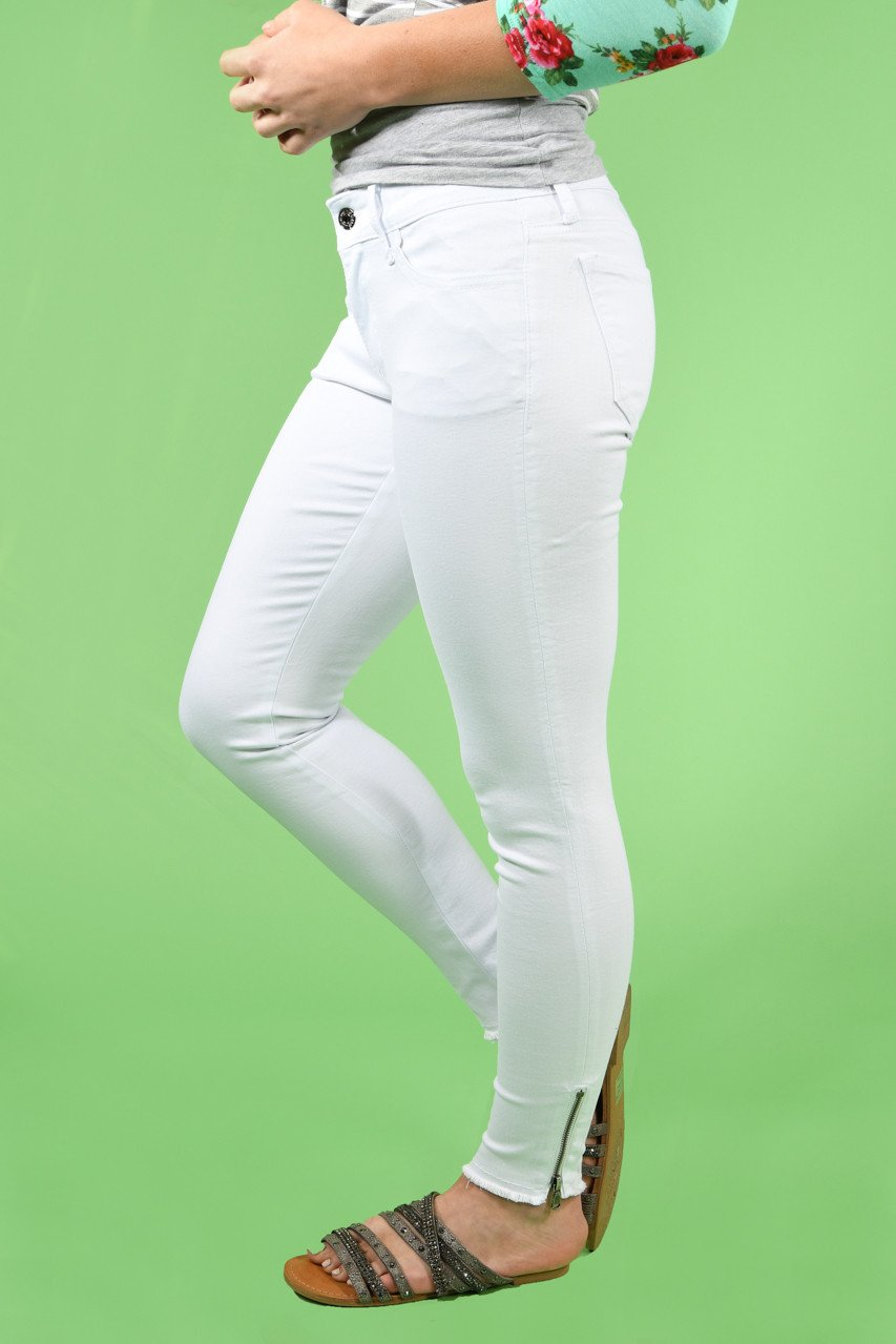 White Side Ankle Zipper Skinnies ~ Kan Can