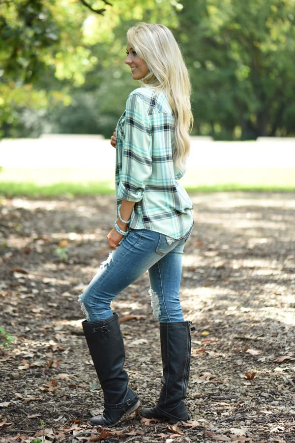 Traditional Black & Mint Flannel Top