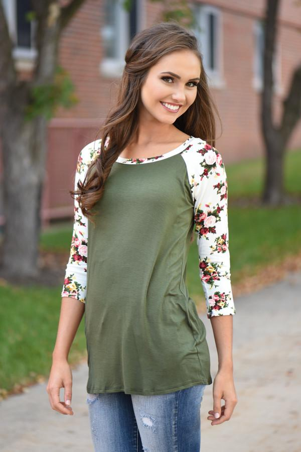 Catch My Eye Floral Top - Olive