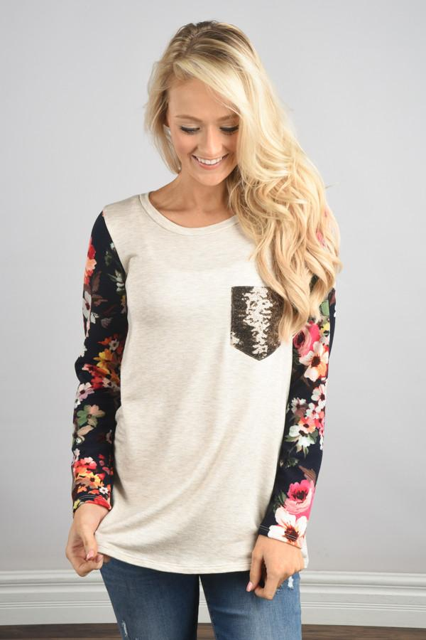 Floral Glam Pocket Top ~ Navy