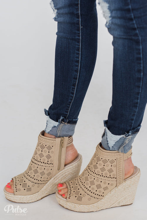 Very G Gloria Wedges- Nude