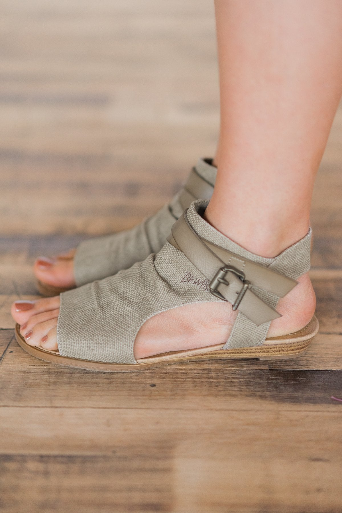 Blowfish Balla Sandals ~ Taupe
