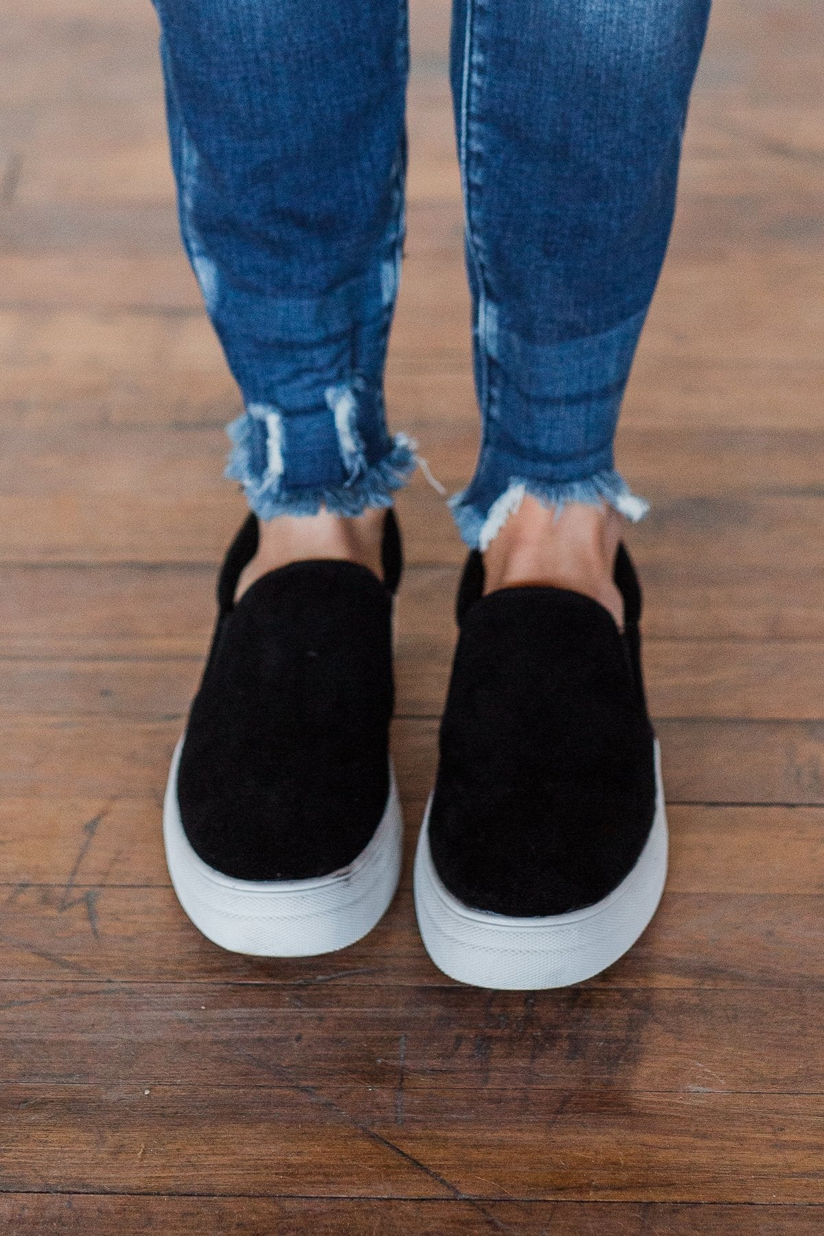 Soda Hike Slip On Sneakers- Black