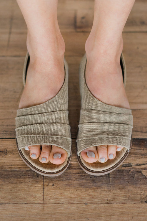 Not Rated Shantelle Sandals ~ Sand