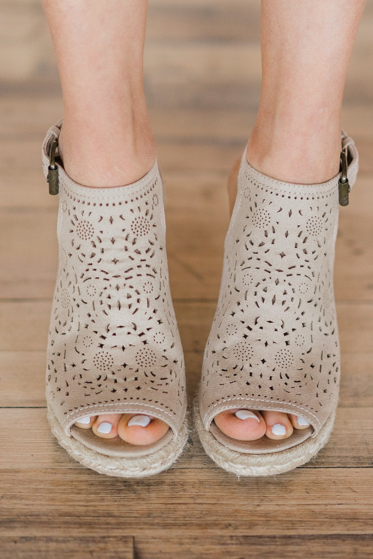 Not Rated Jobyna Wedges ~ Nude – The
