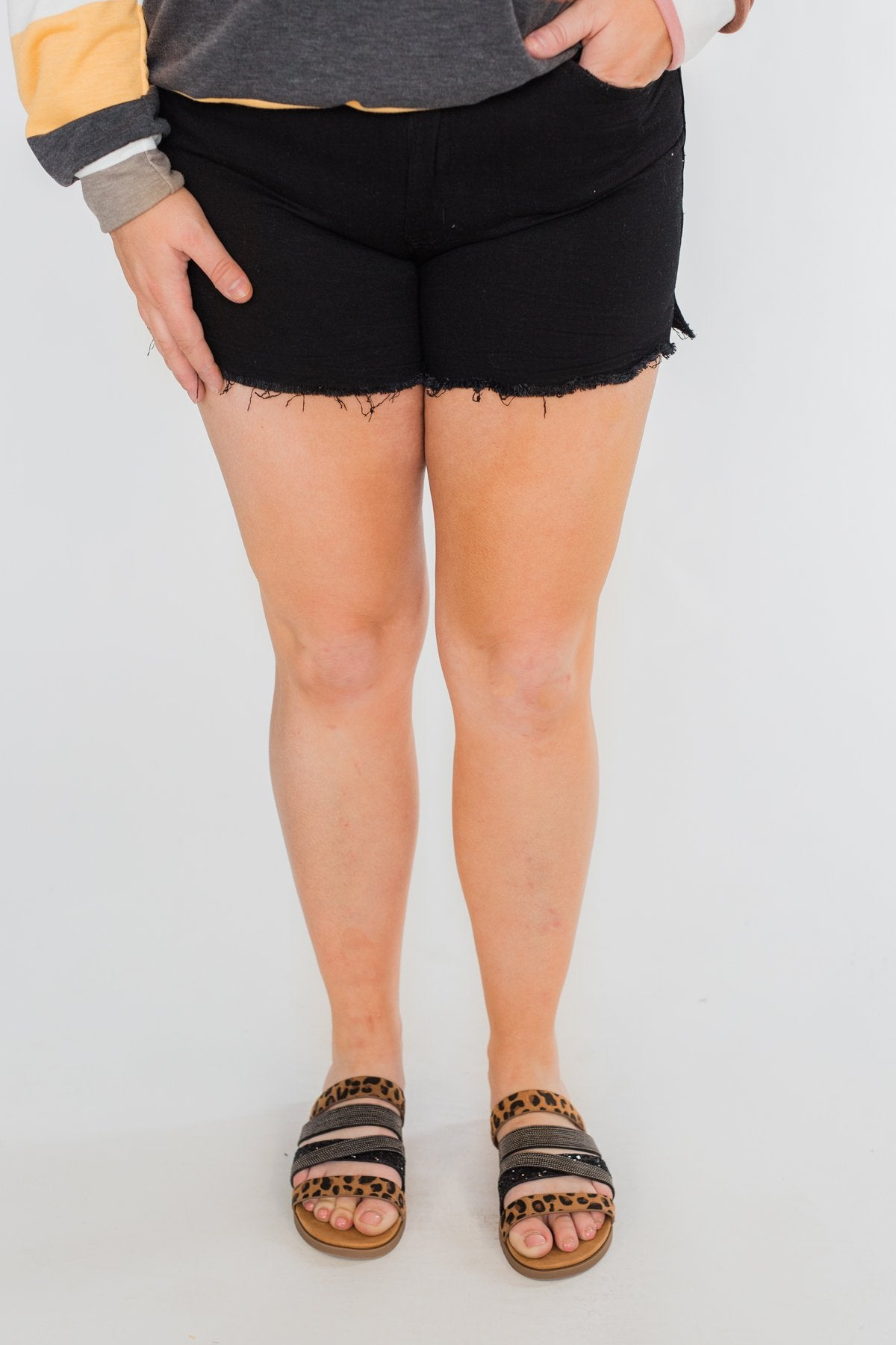 KanCan Frayed Hem Shorts- Black