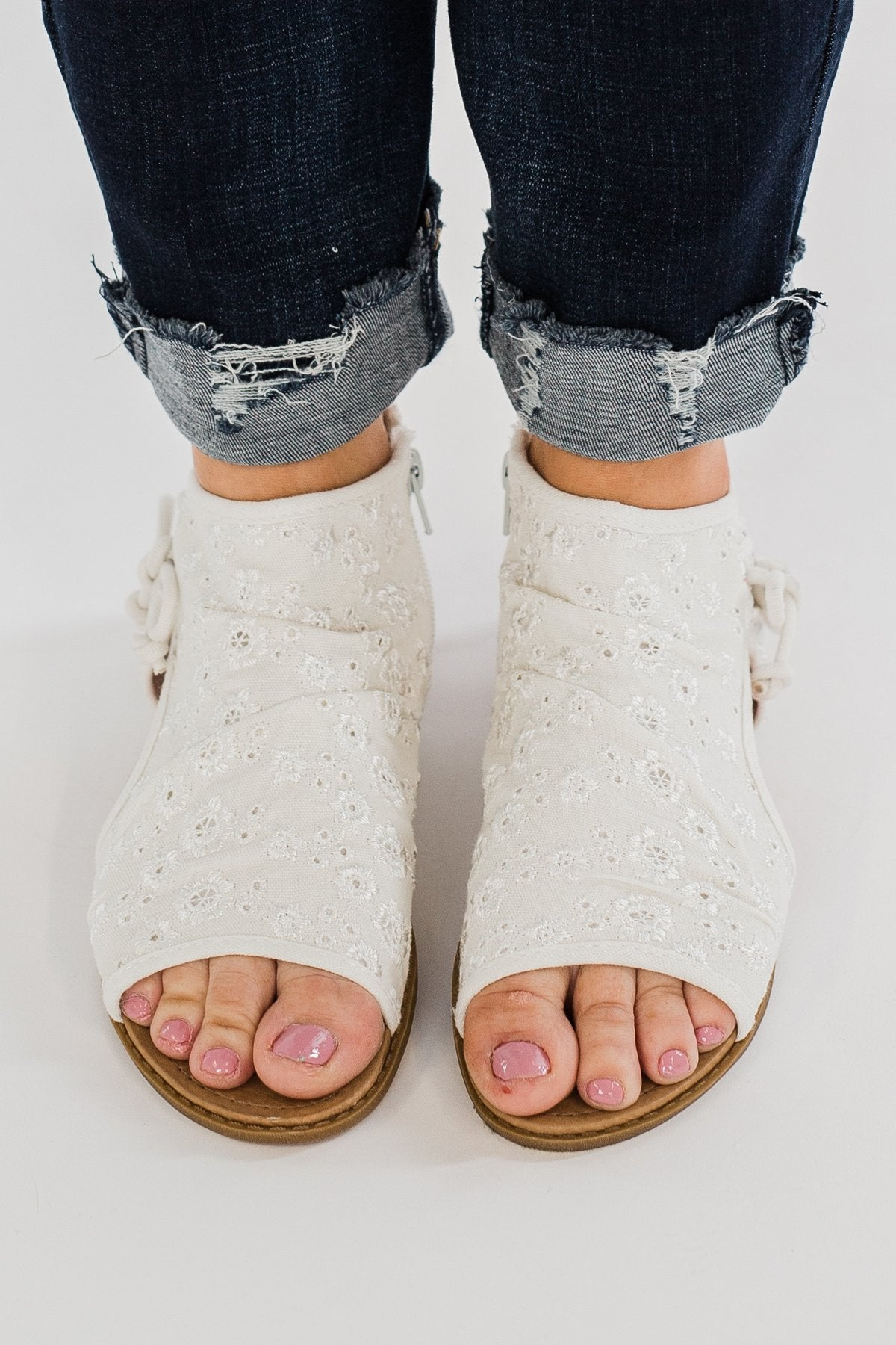 Luxe & Mix Lola Sandals- White