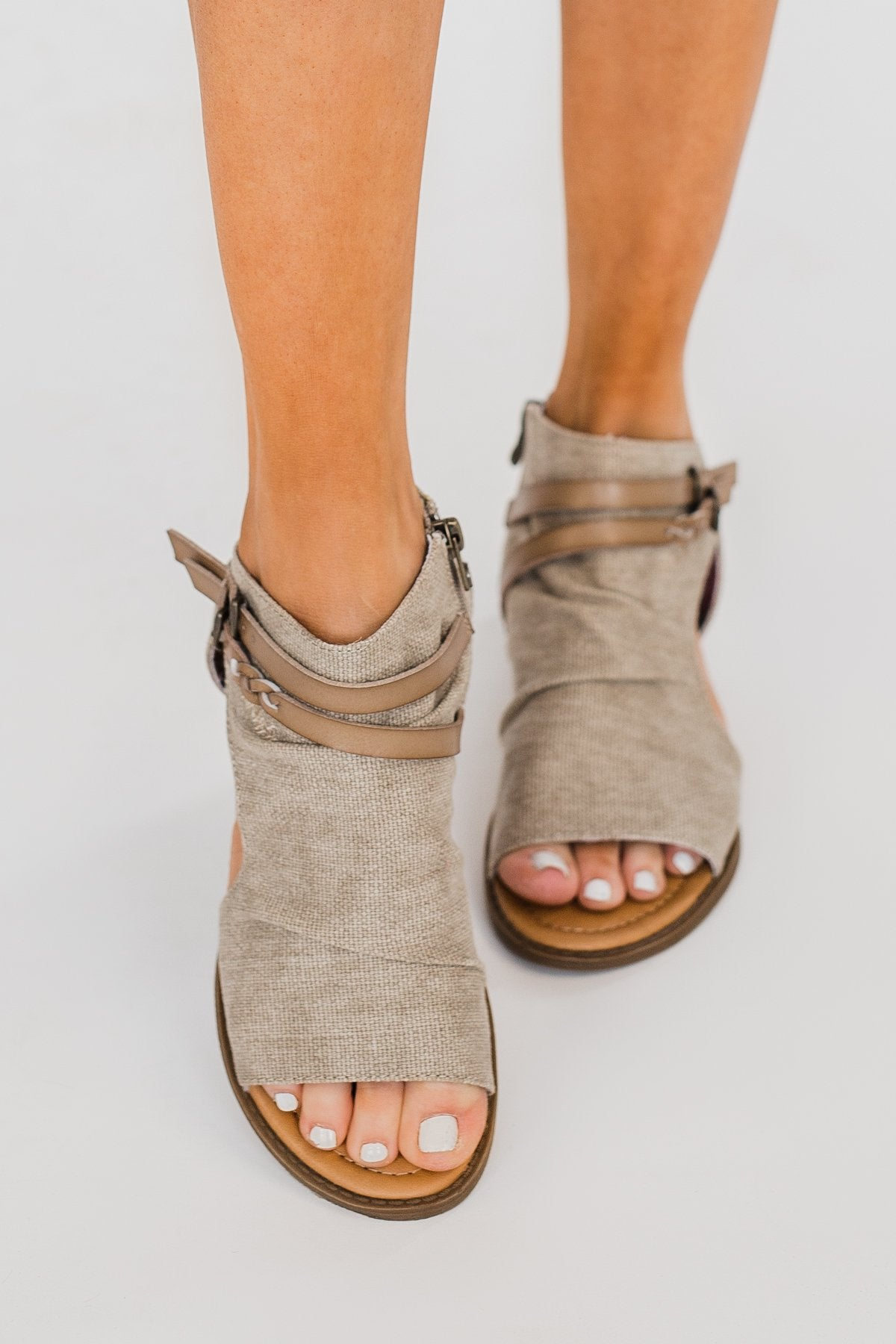 Blowfish Blumoon Sandals- Light Taupe