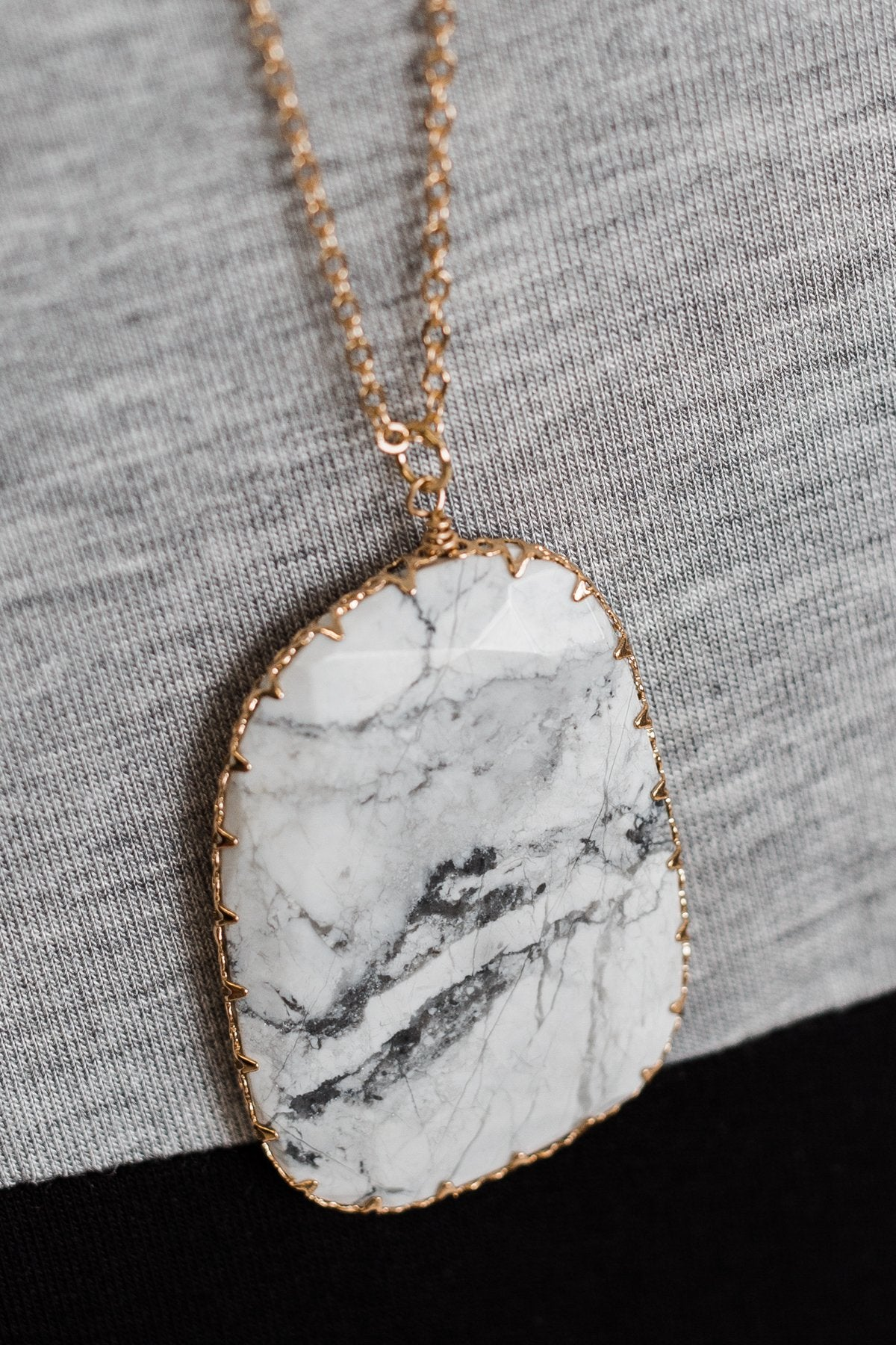 Howlite Stone Necklace- Gold