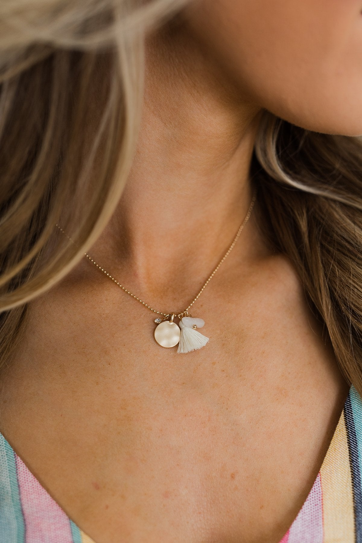 Simple & Charming Necklace- Cream