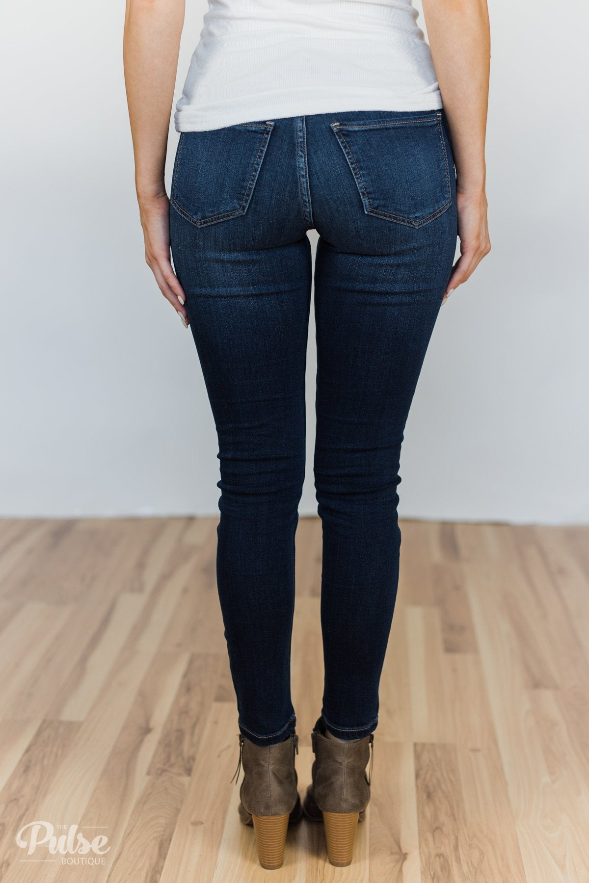 Sneak Peek Jeans- Claire Wash